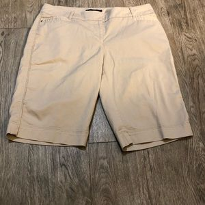 White House Black Market Khaki Bermuda Shorts Sz 2